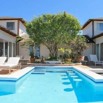 Luxury, 4-bedroom Villa With a Swimming Pool and Superb sea Views