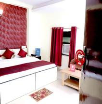 OYO 9945 Hotel R INN