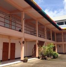 Puangchompoo Place