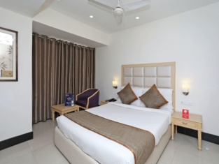OYO 9769 Hotel Chanakya Inn