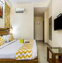 OYO 15782 Hotel Royal Residency