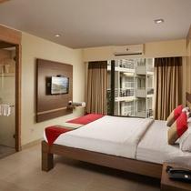 Red Fox Hotel, Morjim