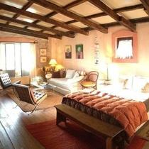 Colonia Suite Apartments