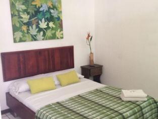 Gaudy s Hostel