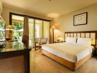 Laras Asri Resort & Spa
