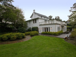 Pacific Way Villa 4 Br Home by RedAwning