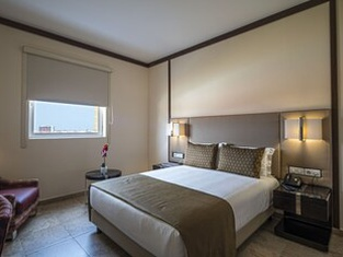 iu Hotel Kuíto