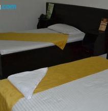 Hotel Luxton