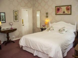 Dowfold House Bed & Breakfast