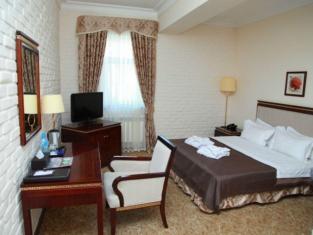 Zarafshan Granf Hotel