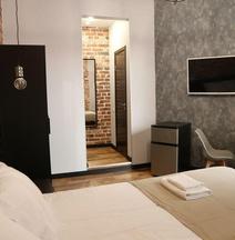 Adams Hotels