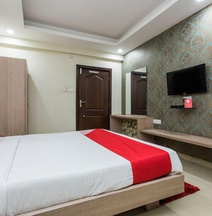 OYO 3892 Hotel Divya Palace