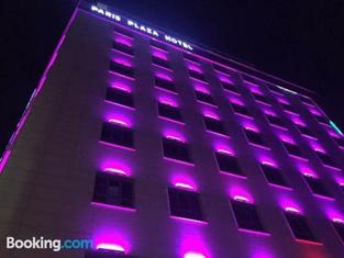 Paris Plaza Hotel