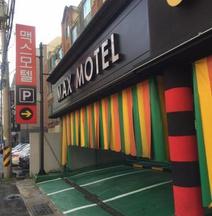 Max Motel