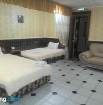 """Hostel """"SMALL ITALY"""""""