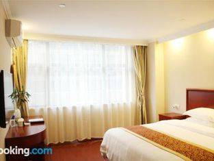 GreenTree Alliance Tacheng City Wenqin Road Zuoan Sunshine Hotel