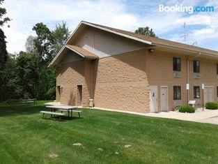 Oakridge Motel