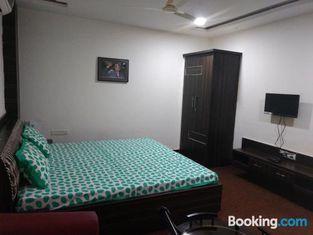 Nidra A Service Apartment