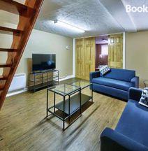 #47 · Cozy! 2-floor Apartment Newly RENOVATED!