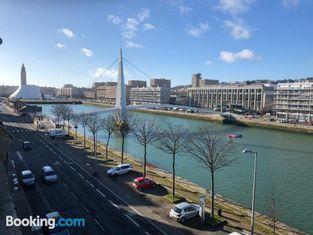 Dormir Au Havre ( Bassin du Commerce 1 )