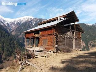 Kashmir Lodges Guest House