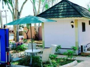 Chillers Portakabin Resort