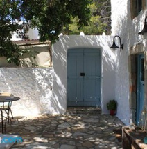 Charming Leros Hideaway | Serenity & Privacy