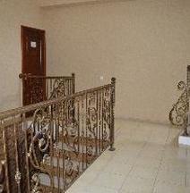 Отель Золотой Джин
