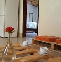 納札比小屋飯店