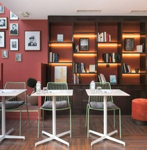 Quality Hotel & Suites Bercy Bibliothèque by HappyCulture