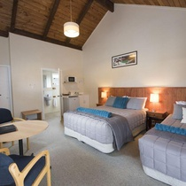 Adventure Lodge and Motels and Tongariro Crossing Track Transport