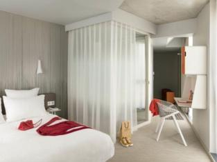 โรงแรมออคโค ปารีส ปอร์ตเดอแวร์ซาย