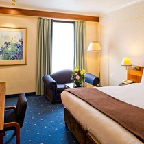 Clarion Croydon Park Hotel
