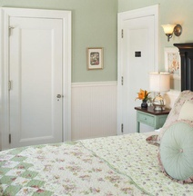 A G Thomson House Bed and Breakfast