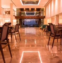 Vogal Luxury Beach Hotel & Spa