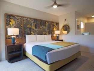 White Sands Hotel Honolulu
