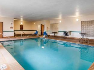 Comfort Inn South-Medford