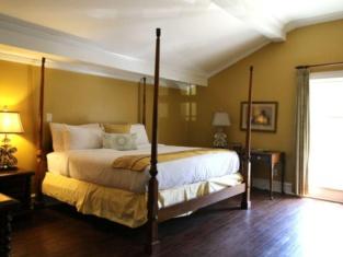 New World Inn- Downtown Pensacola