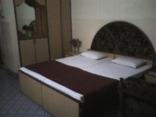 Arvind Hotel