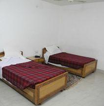 Hotel Premashram