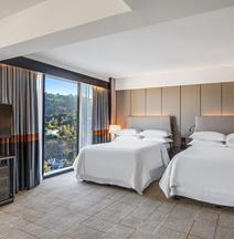 Sheraton Universal Hotel