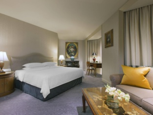 Sheraton Towers Singapore (Staycation Approved)