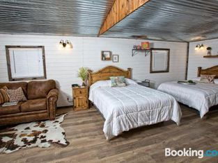 Stateline Cabin