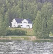 Swedish Lapland Lakeside Apartment