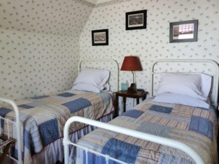 The Hood House Bed & Breakfast Inn
