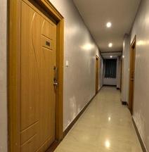 OYO 14027 Dsr Residency