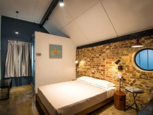 The Brownstone Hostel & Space