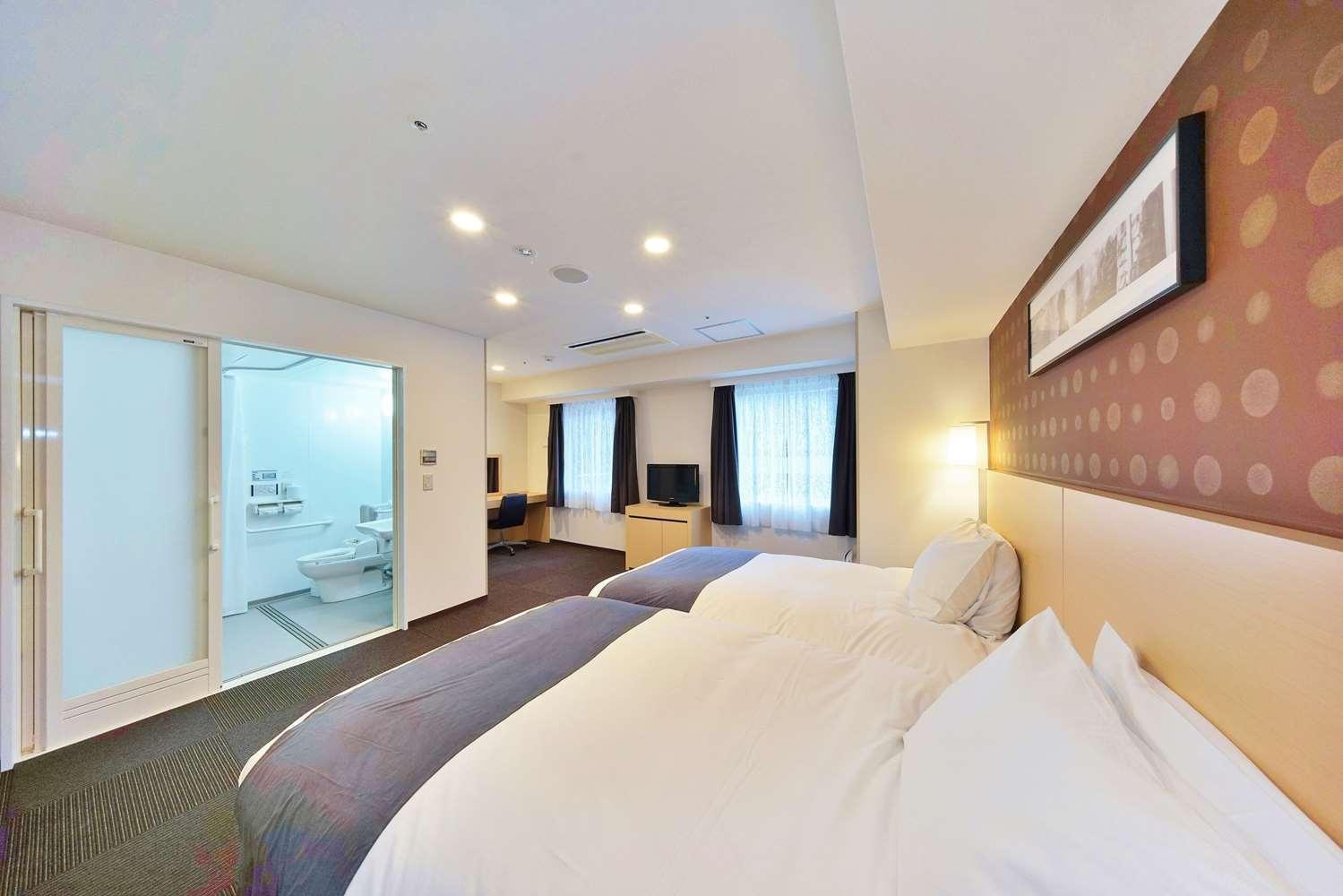 大阪心斋桥贝斯特韦斯特菲诺酒店