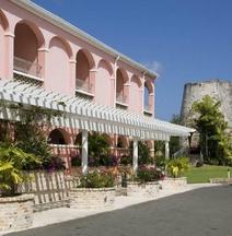 Buccaneer Hotel