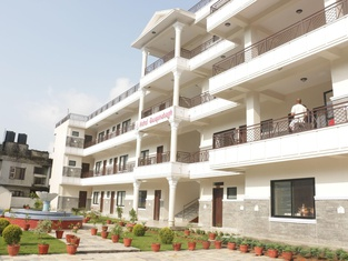 Swapna Bagh- A Deluxe Hotel